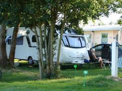louer ma grange faire de la location hivernage et gardiennage pour caravanes camping cars. Black Bedroom Furniture Sets. Home Design Ideas